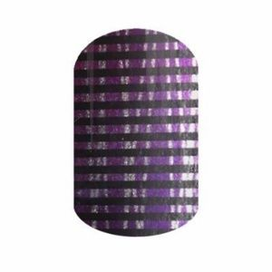 B4G1 Black Light nail wrap